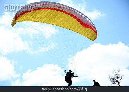 Paraglider, Paragliding, Landing