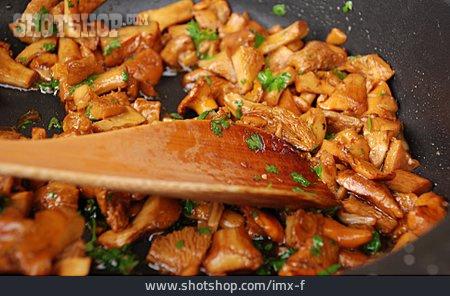 Mushroom Pan, Meal