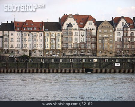 Düsseldorf, Row Houses