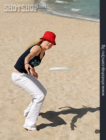 Frisbee, Throwing