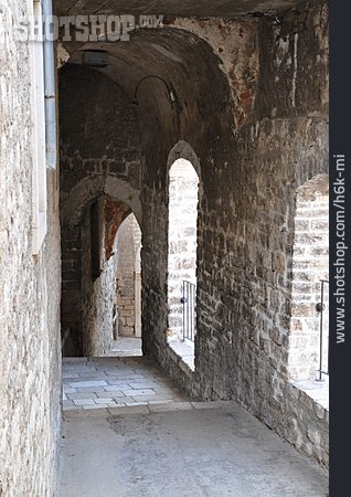 Tunnel, Alley, Passage, Sibenik