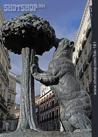 Sculpture, Statue, Bear