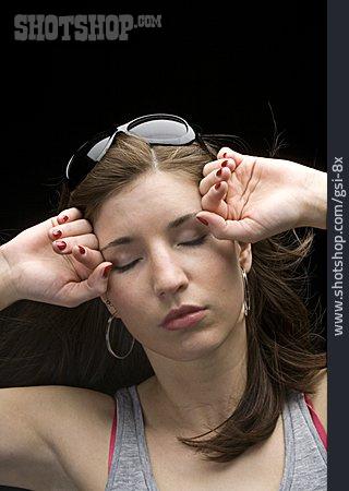 Woman, Headaches, Migraine