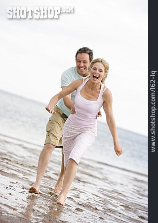 Couple, Enjoyment & Relaxation, Fun & Happiness, Catching, Beach Holiday