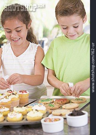 Child, Domestic Life, Baking, Siblings