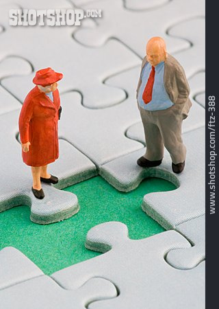 Social Issues, Figurine, Courtship