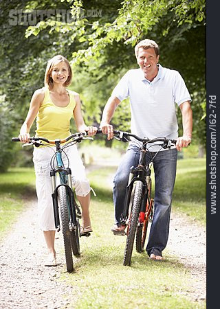 Couple, Cyclists, Cycling