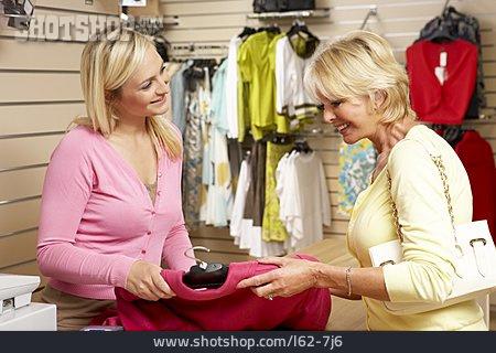 Customer, Sales Executive, Selling Dialogue