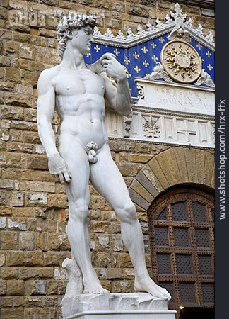Statue, David