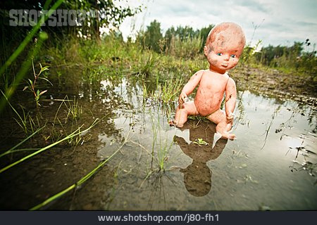 Losing, Doll, Puddle, Neglect