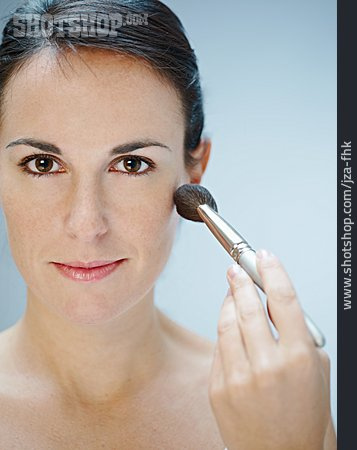 Beauty & Cosmetics, Young Woman, Woman, Makeup, Powdering
