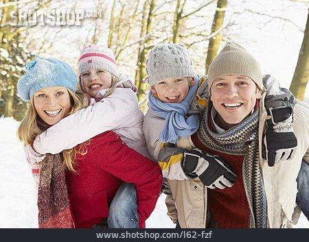 Family, Winterly, Piggyback