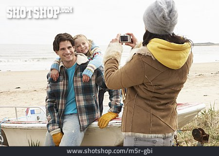 Beach Trip, Souvenir Photo, Family Portrait