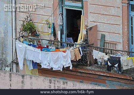 Balcony, Clothesline