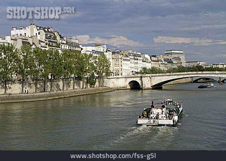 Seine, Paris, Tourist Boat