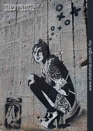 Graffiti, Streetart, Woman's Statue