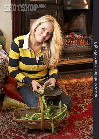 Young Woman, Comfortable, Preparation