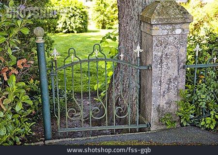 Garden Fence, Garden Portal