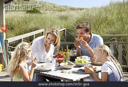 Holiday & Travel, Summer, Breakfast, Holiday Villa, Family, Family Life
