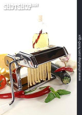 Noodles, Noodle, Pasta Machine