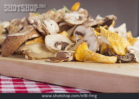 Preparation, Cutting, Mushroom