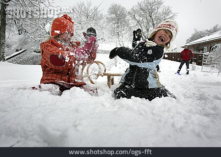 Snowball Fight, Winter Fun