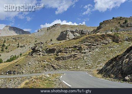 Mountain Pass, Pass Road