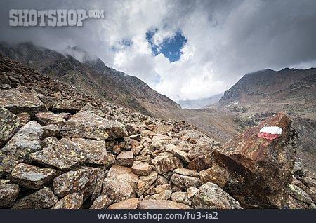 Mountain Range, Trail