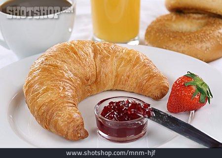 Croissant, Breakfast