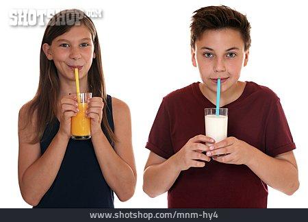 Boy, Girl, Drinking, Thirsty