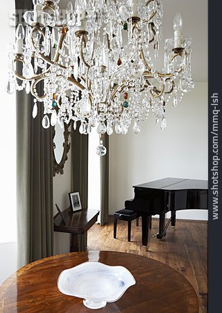 Wealthiness, Chandelier, Lounge