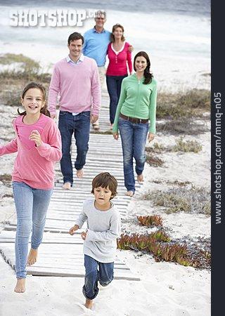 Family, Generation, Beach Holiday
