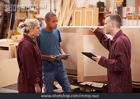 Education, Apprentice, Explaining, Carpenter, Carpentry, Master