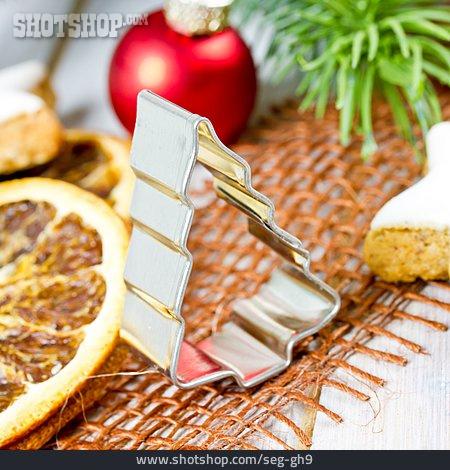 Christmas, Spot Shape, Baking Tins