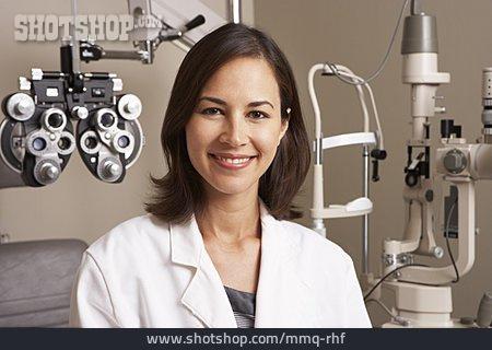 Optician, Doctor