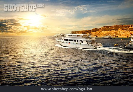 Yacht, Red Sea