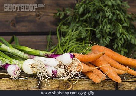 Carrots, Spring Onion, Vegetable Harvest