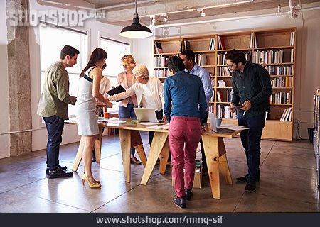 Office & Workplace, Meeting, Meeting