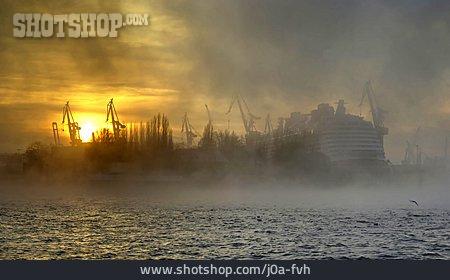 Sunrise, Hamburger Hafen, Smokescreen