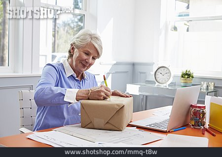 Senior, Package, Send, Mailing