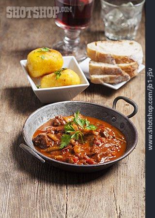 Stew, Hungarian Cuisine, Goulash