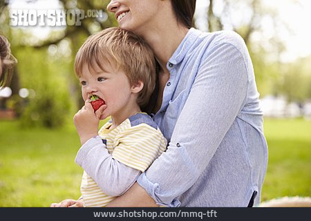 Toddler, Strawberry, Picnic
