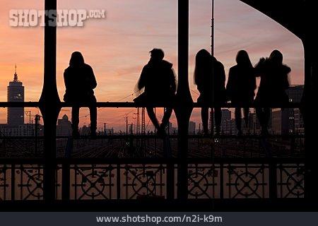 Teenager, Hacker Bridge