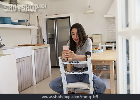 Teenager, Chatting, Sms, Smart Phone