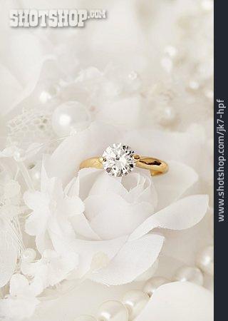 Engagement, Engagement Ring
