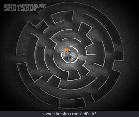 Strategy, Challenge, Labyrinth, General Contractor