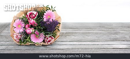 Isolated, Bouquet