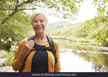 Senior, Hiking