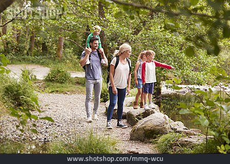 Showing, Hiking, Family Outing