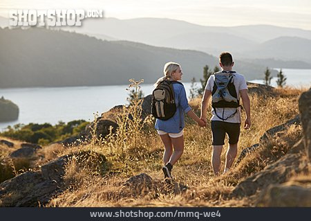 Couple, Holding Hands, Hiking